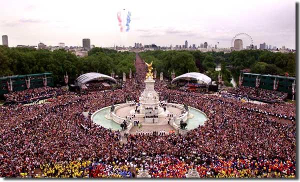 File:Jubilee crowd.jpg