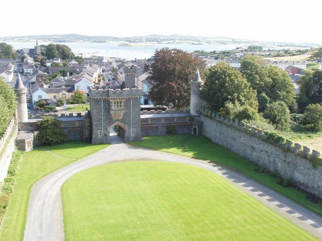 File:Killyleagh Castle gatehouse from tower - geograph.org.uk - 1581468.jpg