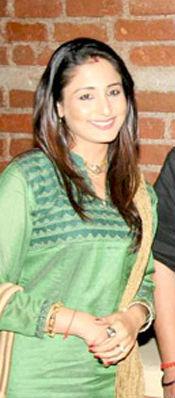 Lata Sabharwal - Wikipedia