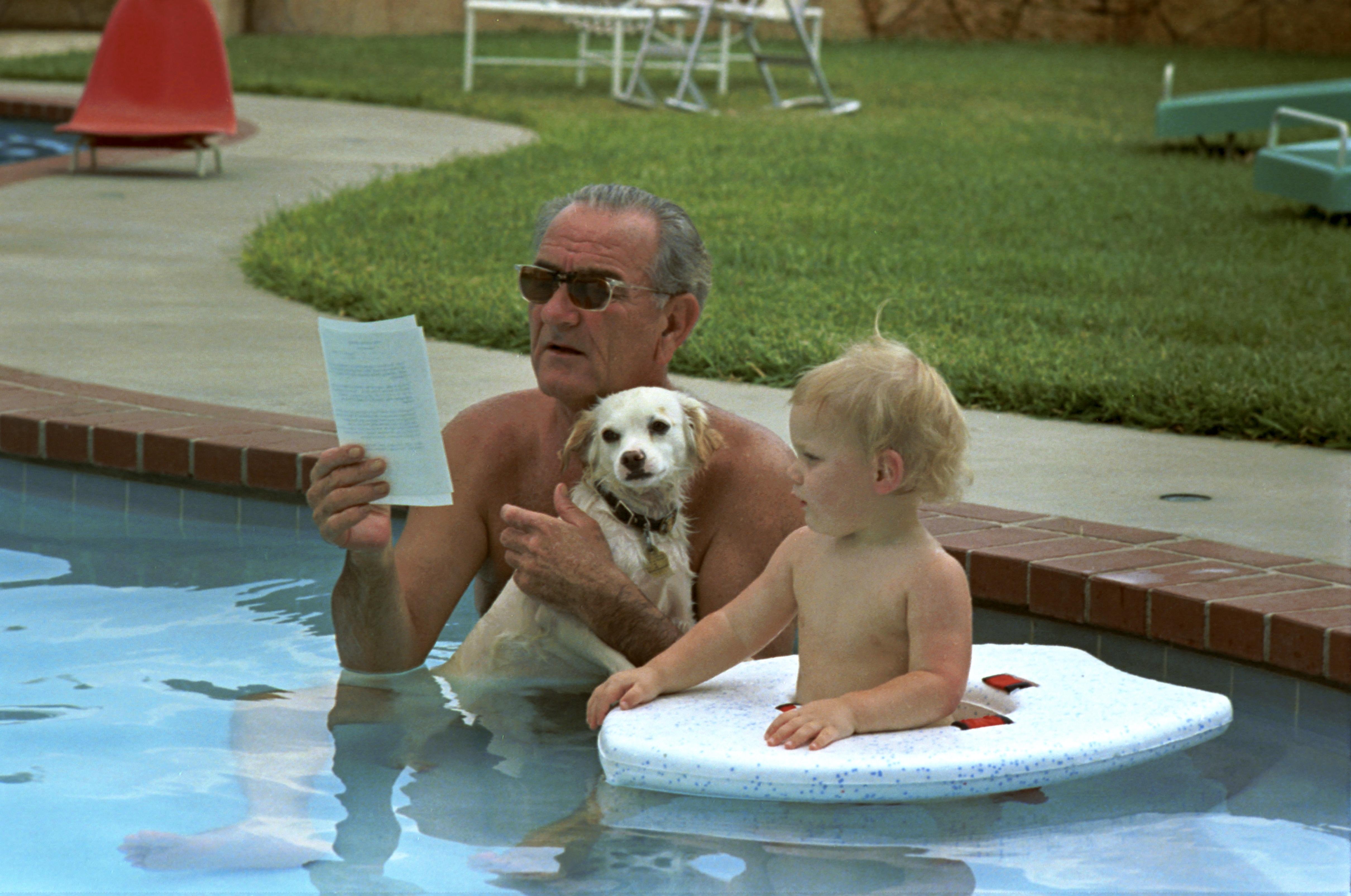 File Lyndon Johnson In Pool Jpg Wikimedia Commons