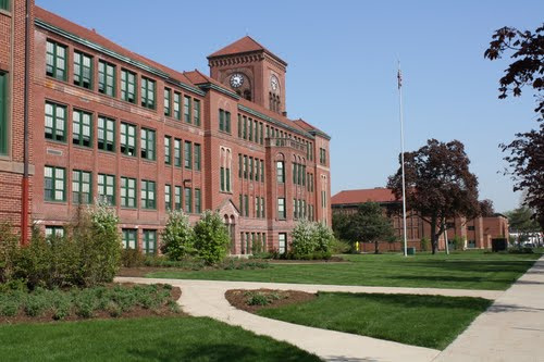image of Lyons Township High School