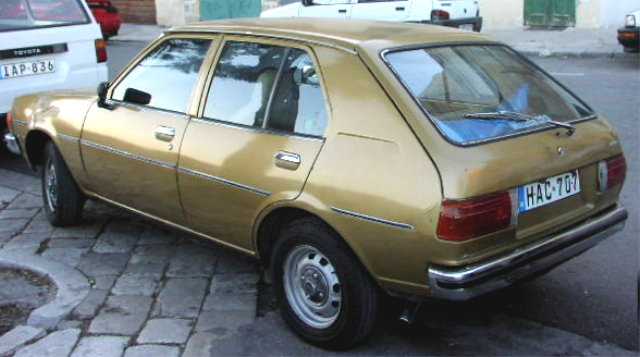 File:MHV Mazda 323 1st Gen 02.jpg - Wikimedia Commons