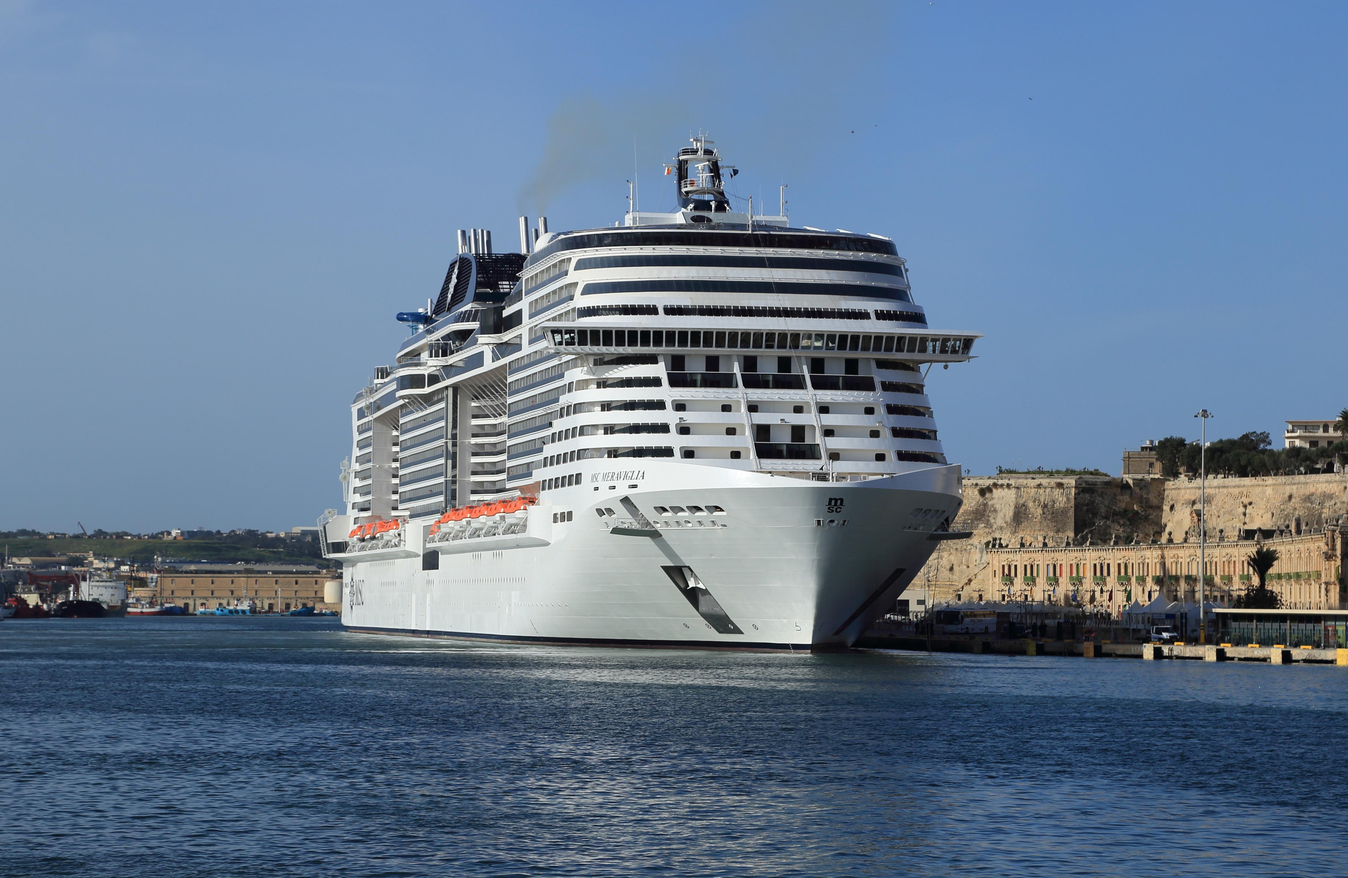 file msc meraviglia grand harbour malta 20180307