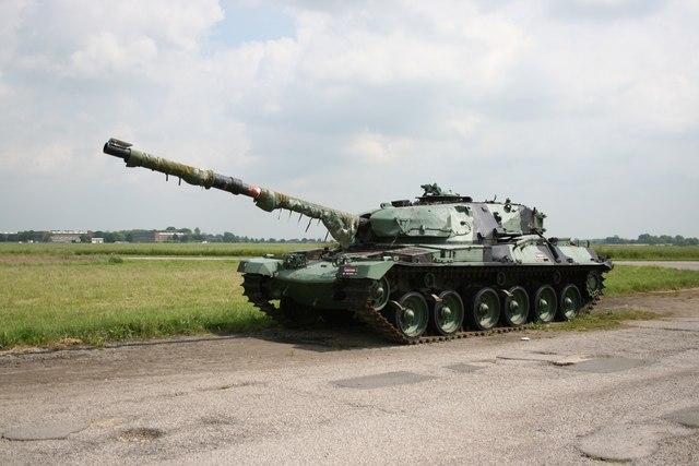 دبابة تشيفتن البريطانية Manby_tank_-_geograph.org.uk_-_466026