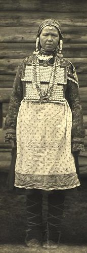 Married Chuvash woman in costume of matchmake.