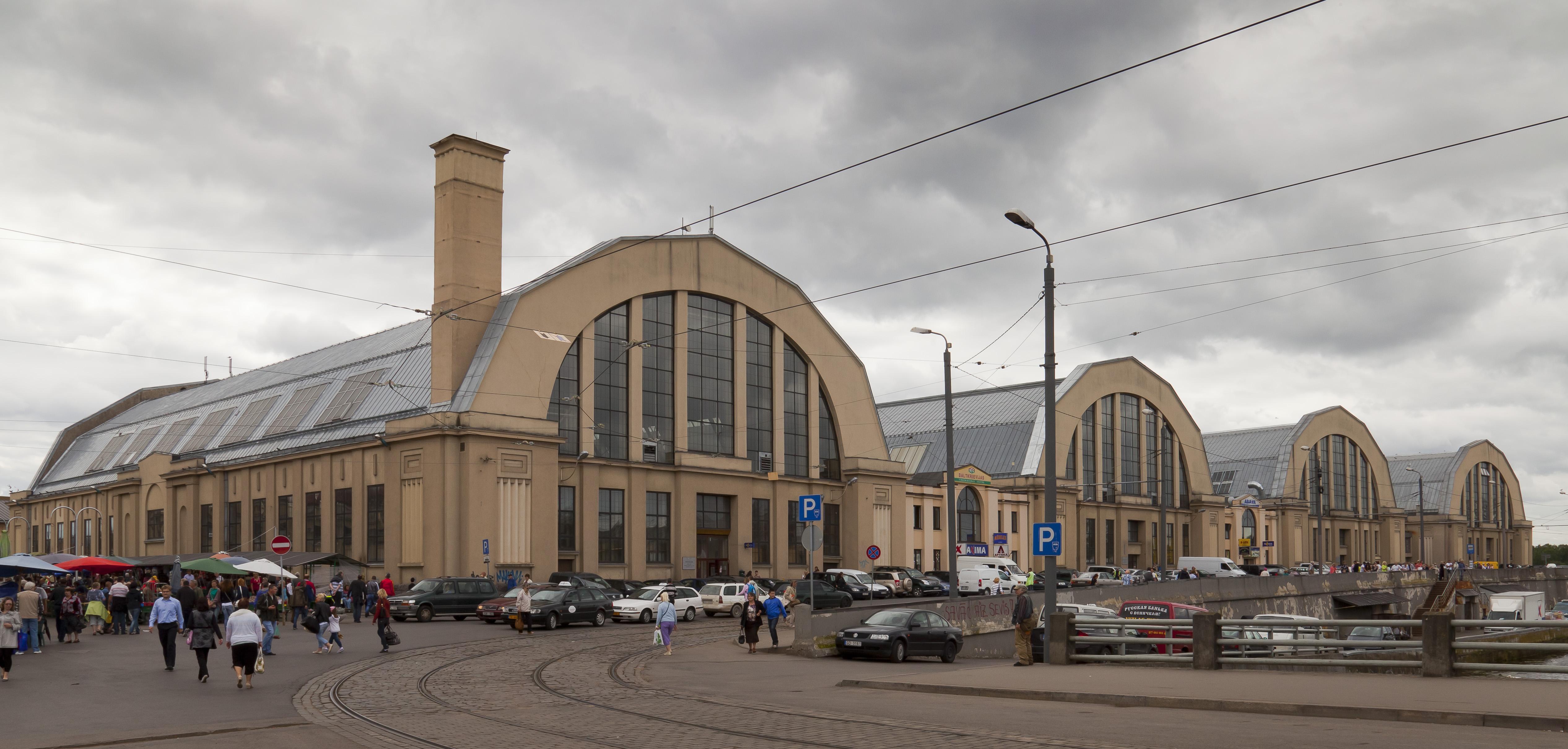 Рынок в Риге построен из деталей немецких ангаров для цепеллинов
