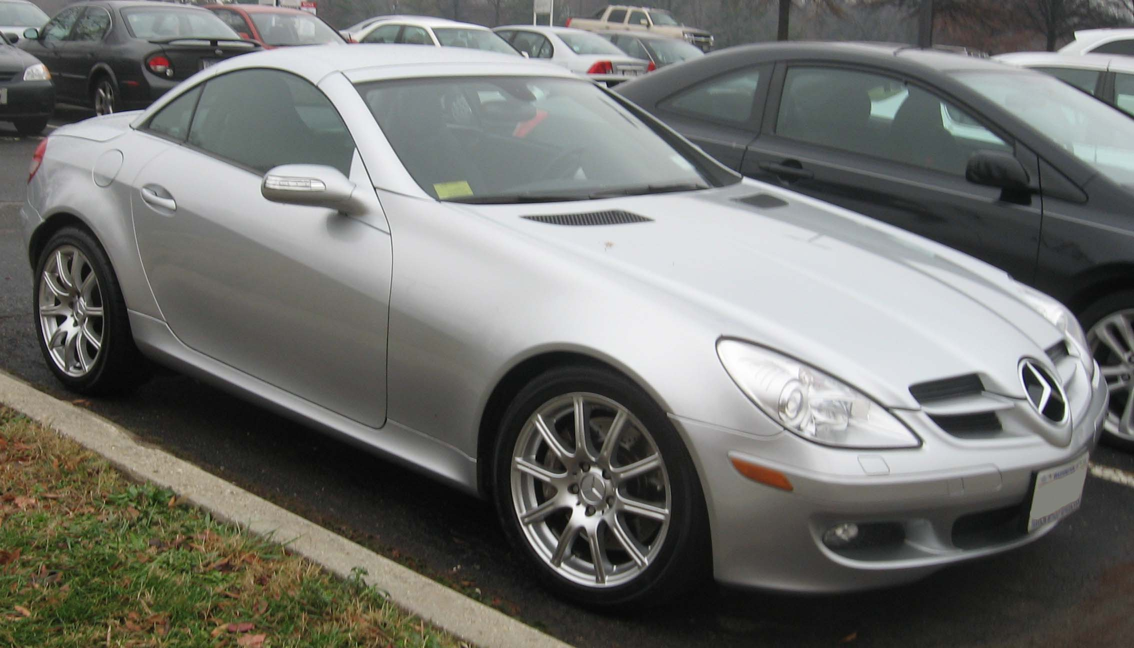 new top car launches info with wallpapers mercedes benz slk350. Black Bedroom Furniture Sets. Home Design Ideas