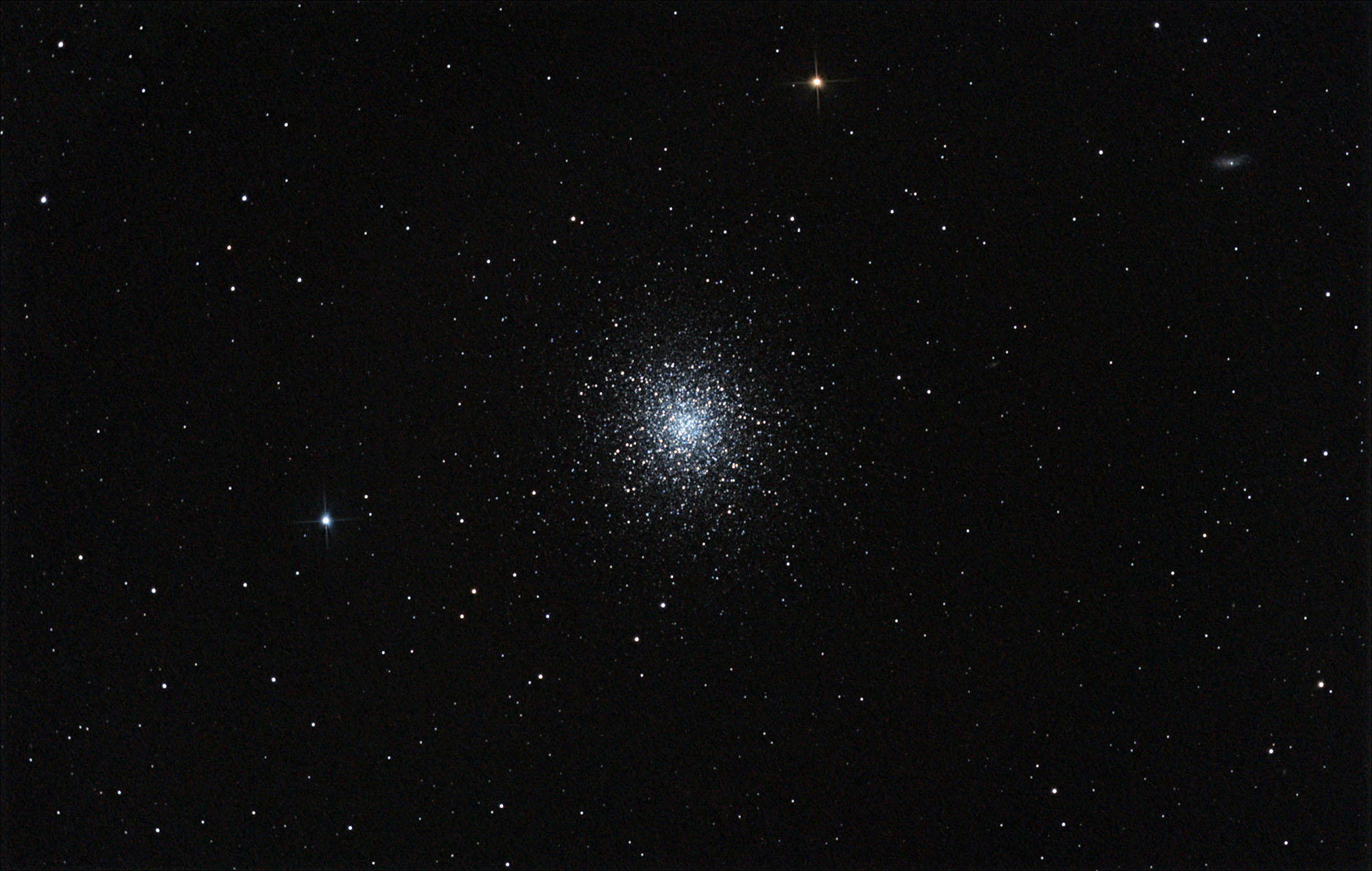 Messier 13 Wide Field.jpg