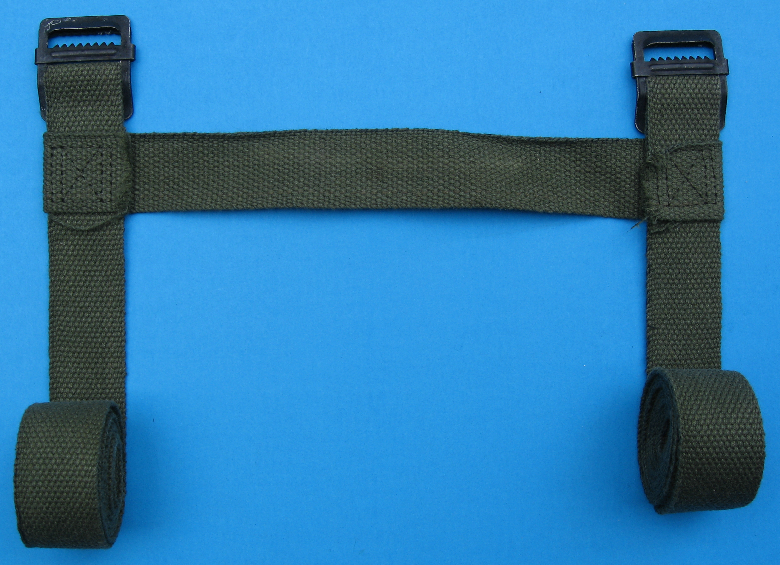 File:Military gear strap 001 jpg - Wikimedia Commons