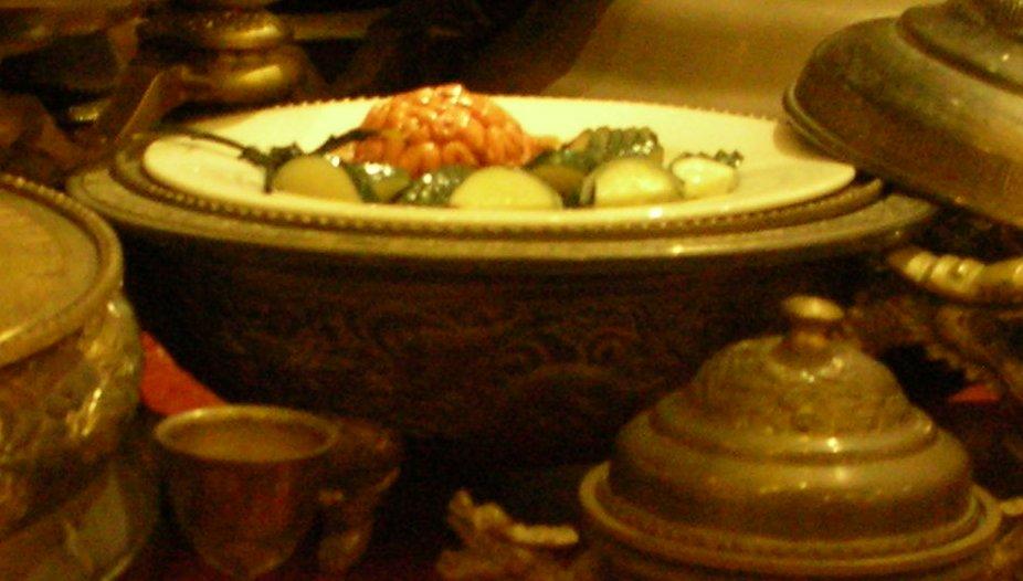 Chinese People Eating Jewish Food