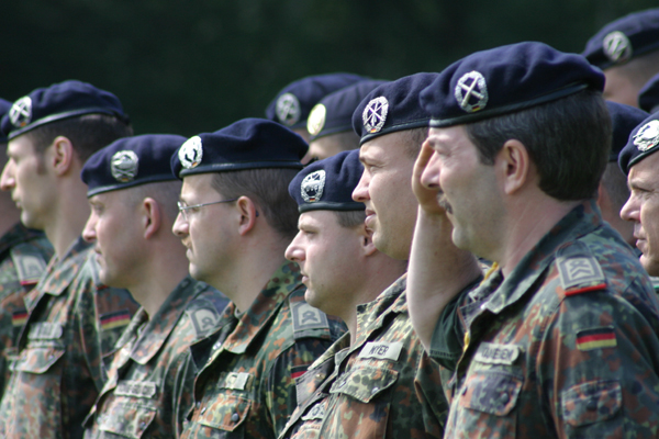 Barett (Bundeswehr) – Wikipedia | {Sanitäter bundeswehr 98}
