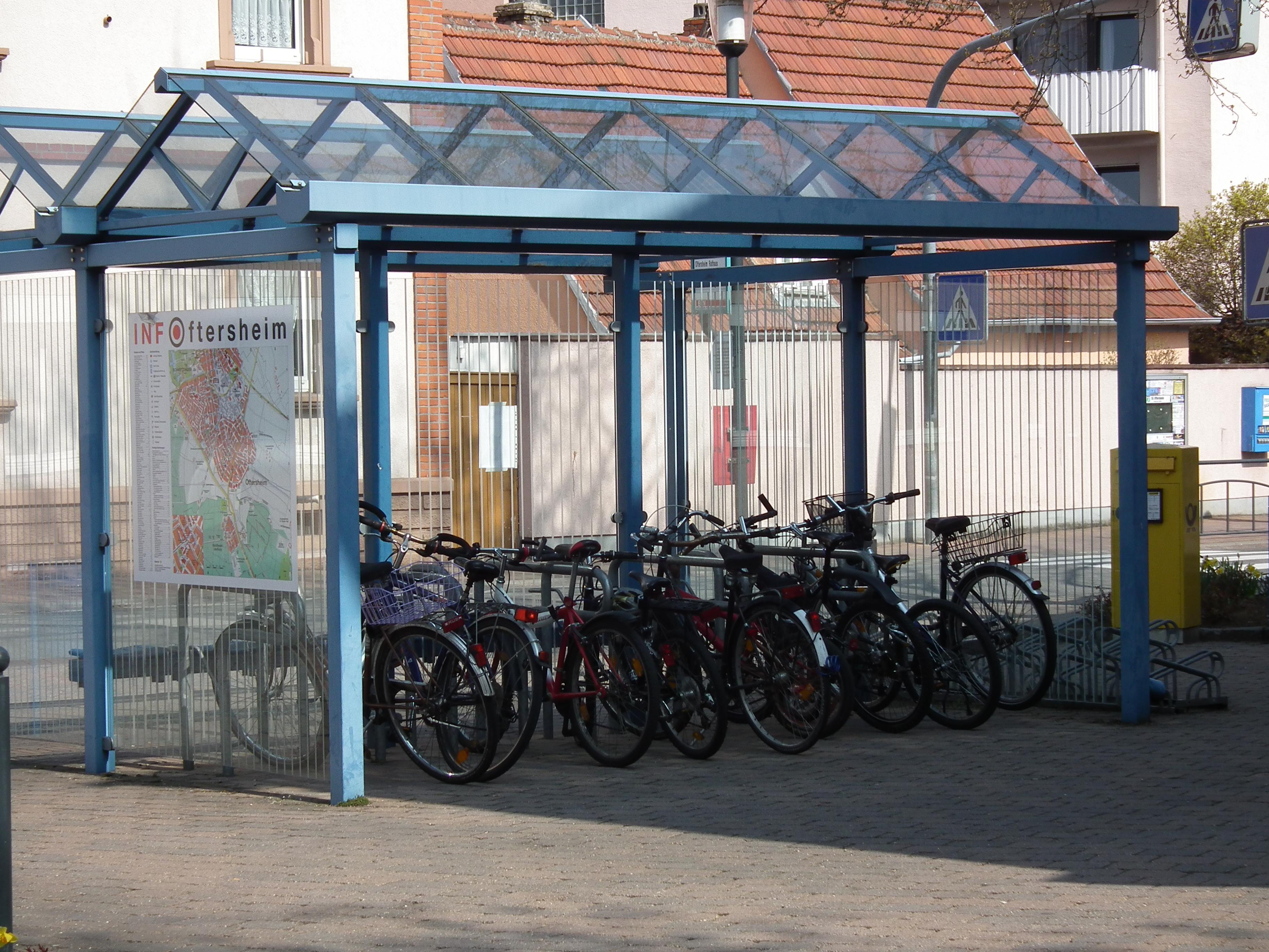 File Oftersheim Uberdachte Fahrradstander Jpg Wikimedia Commons