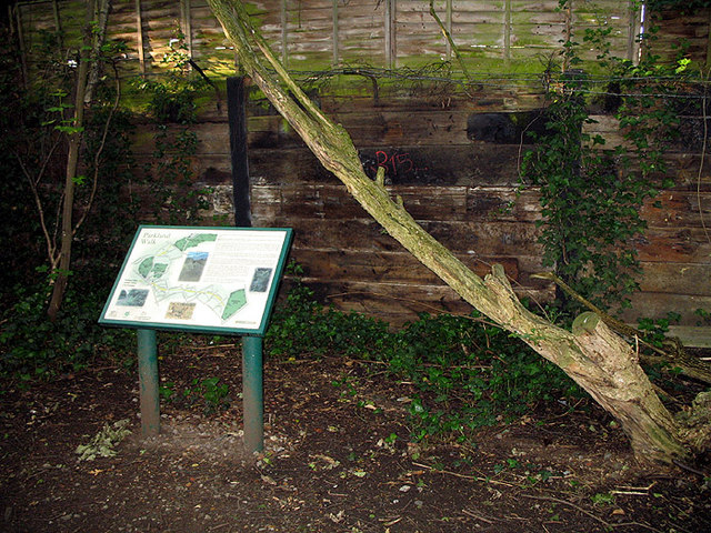 Parkland Walk Information - geograph.org.uk - 443464