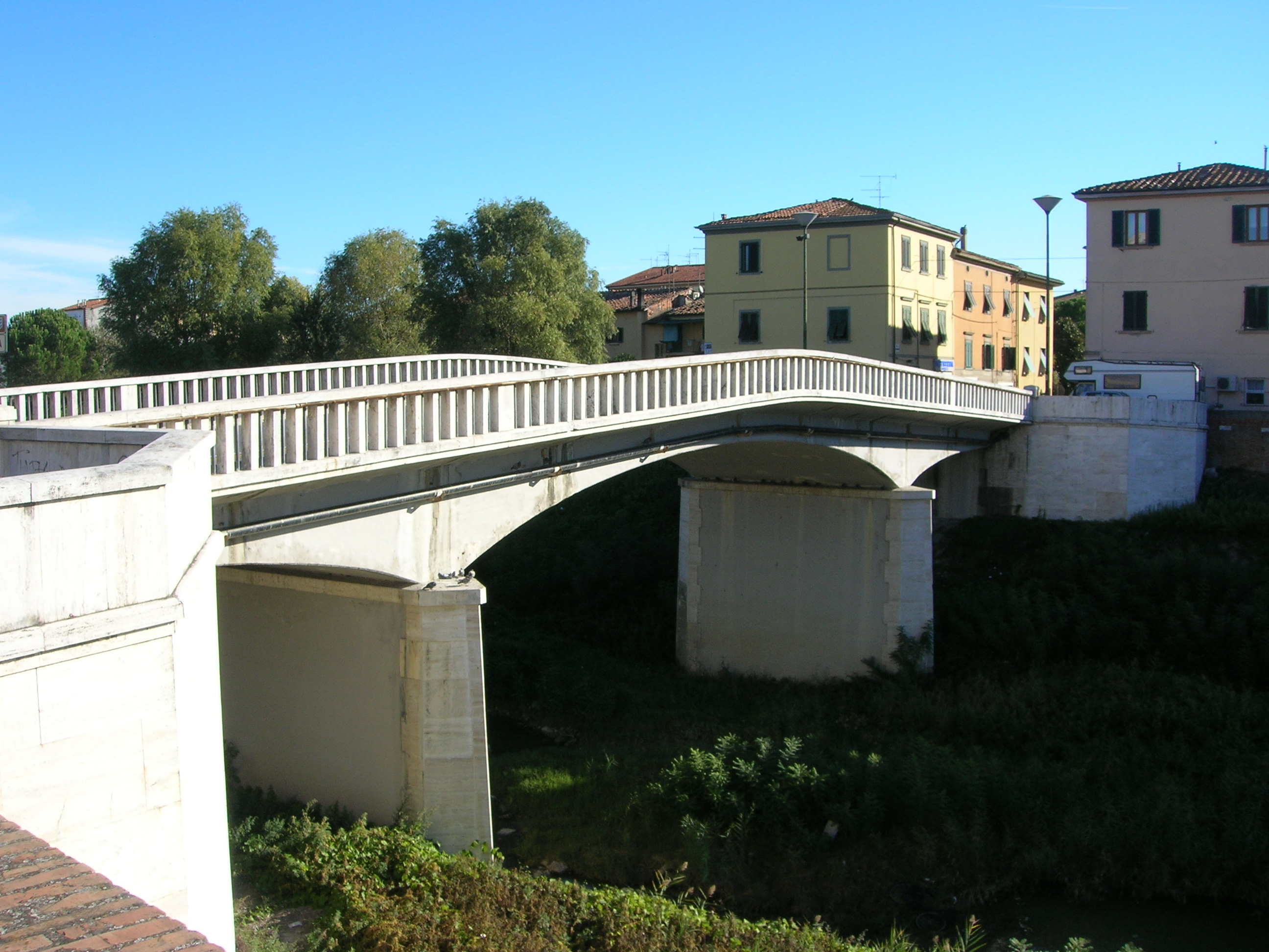 Pontedera Italy  city pictures gallery : Pontedera Ponte napoleonico visto da sud Wikipedia, the ...