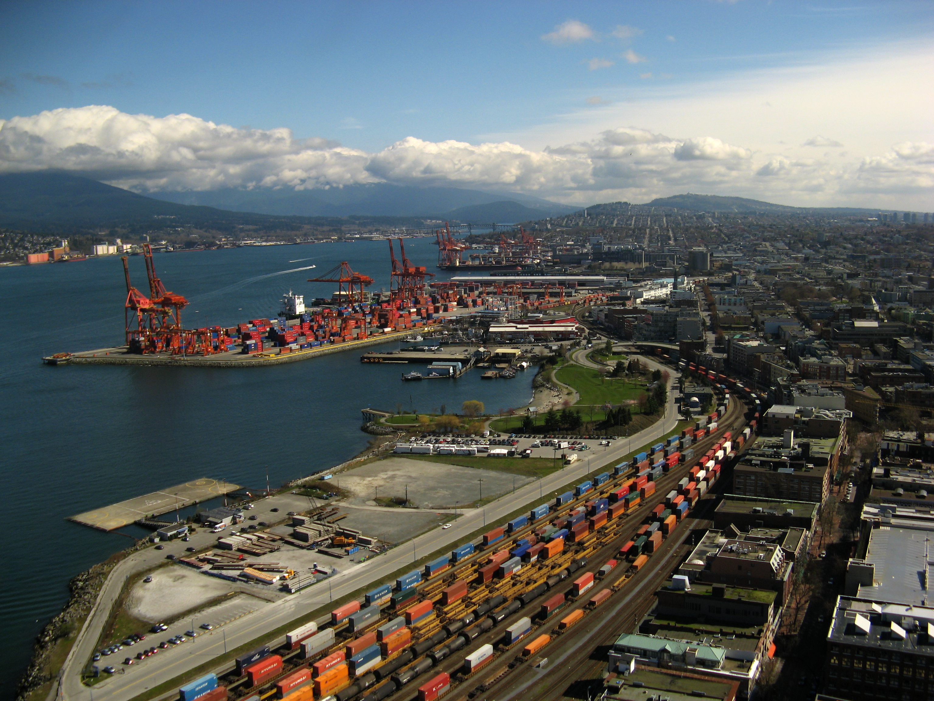 The Port of Vancouver Canadau0027s busiest port