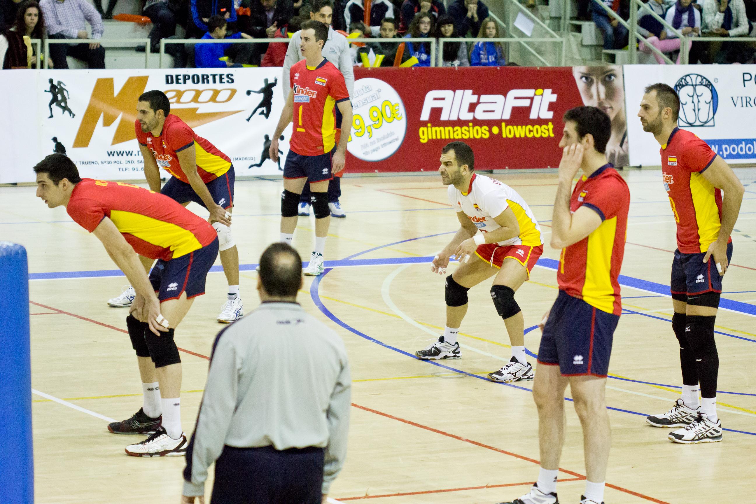 Equipo De Baloncesto De Las Mujeres Imagen De Archivo: File:Selección Masculina De Voleibol De España