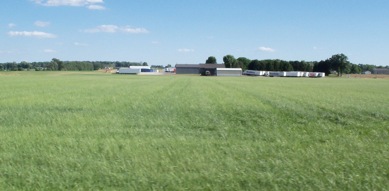 File:Skydiving airfield, Rittman, Ohio jpg - Wikimedia Commons