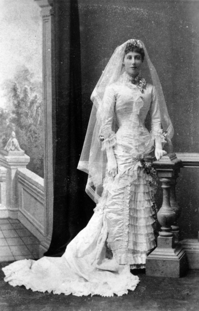 early victorian wedding dress