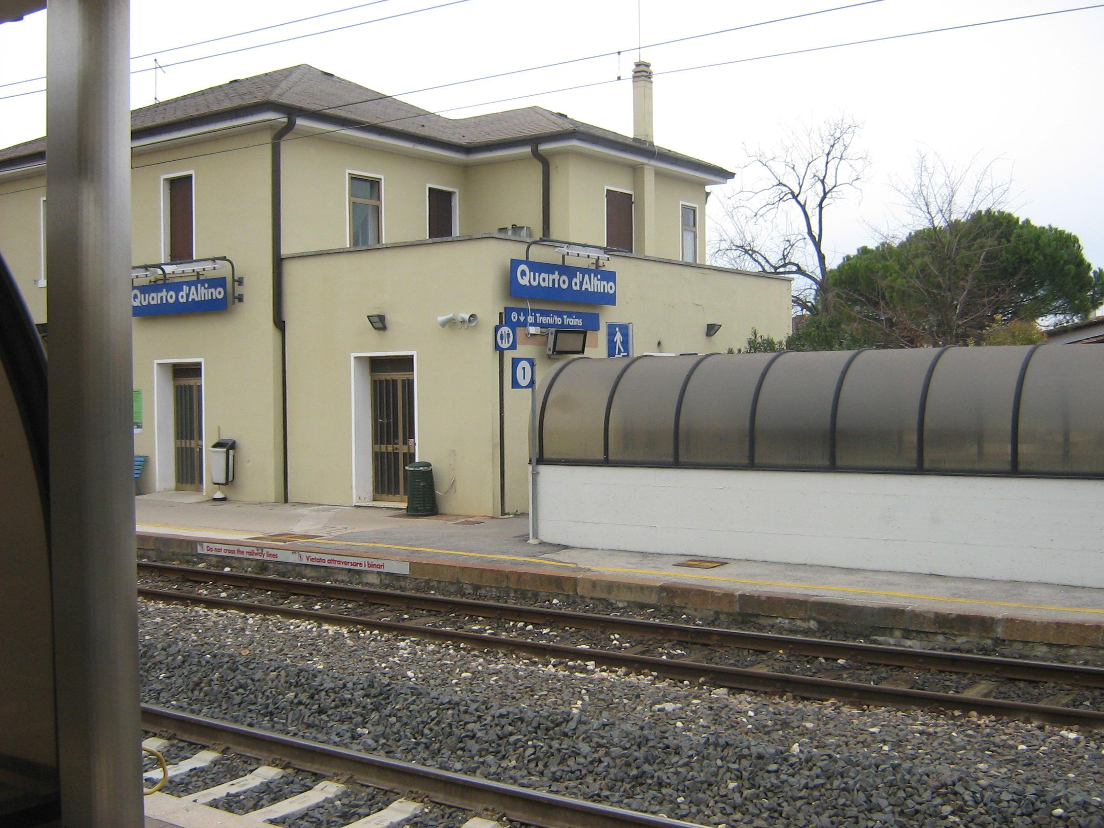 File stazione quarto d 39 altino wikimedia commons for Visma arredo quarto d altino