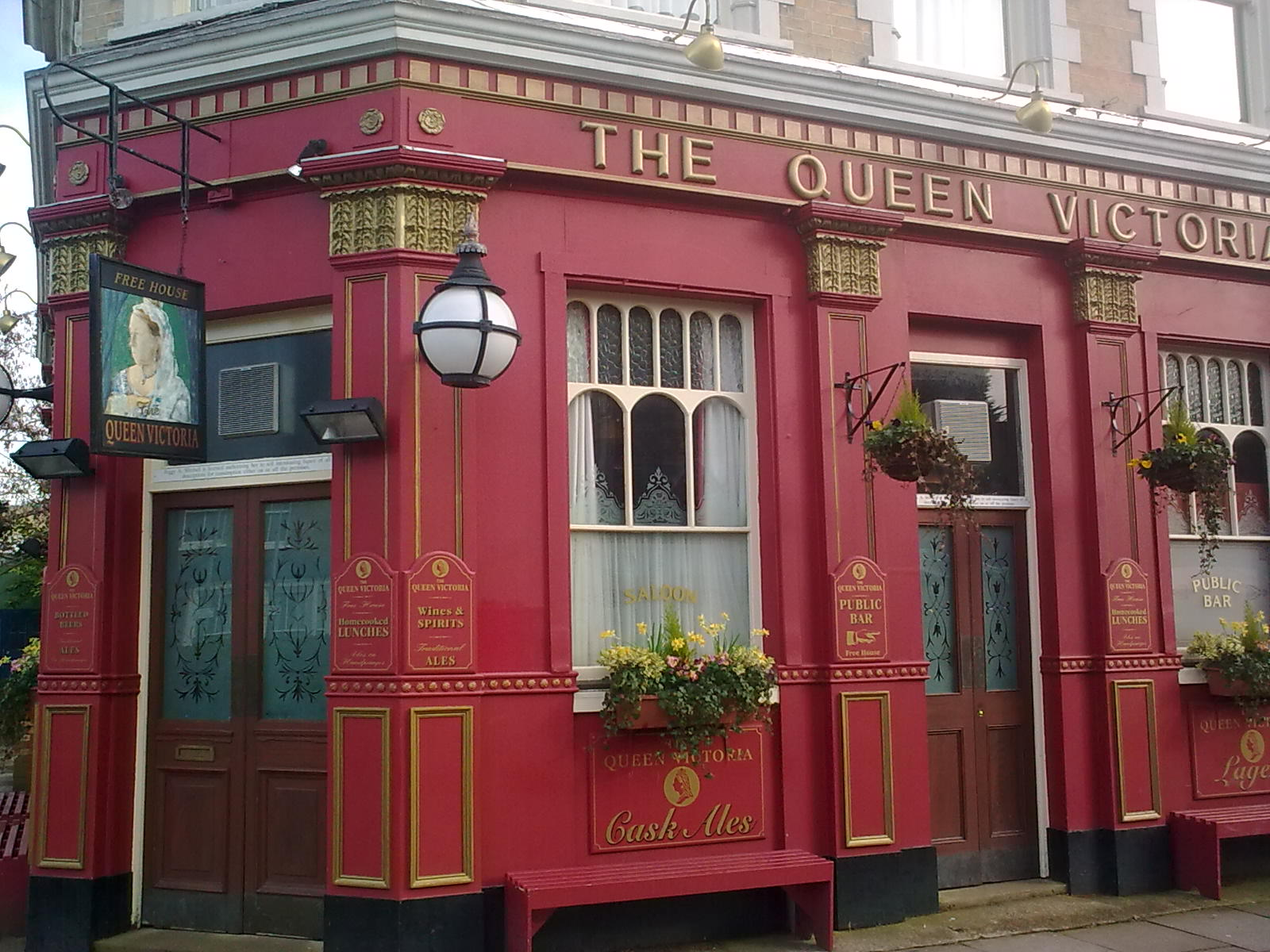 List of fictional bars and pubs - Wikipedia