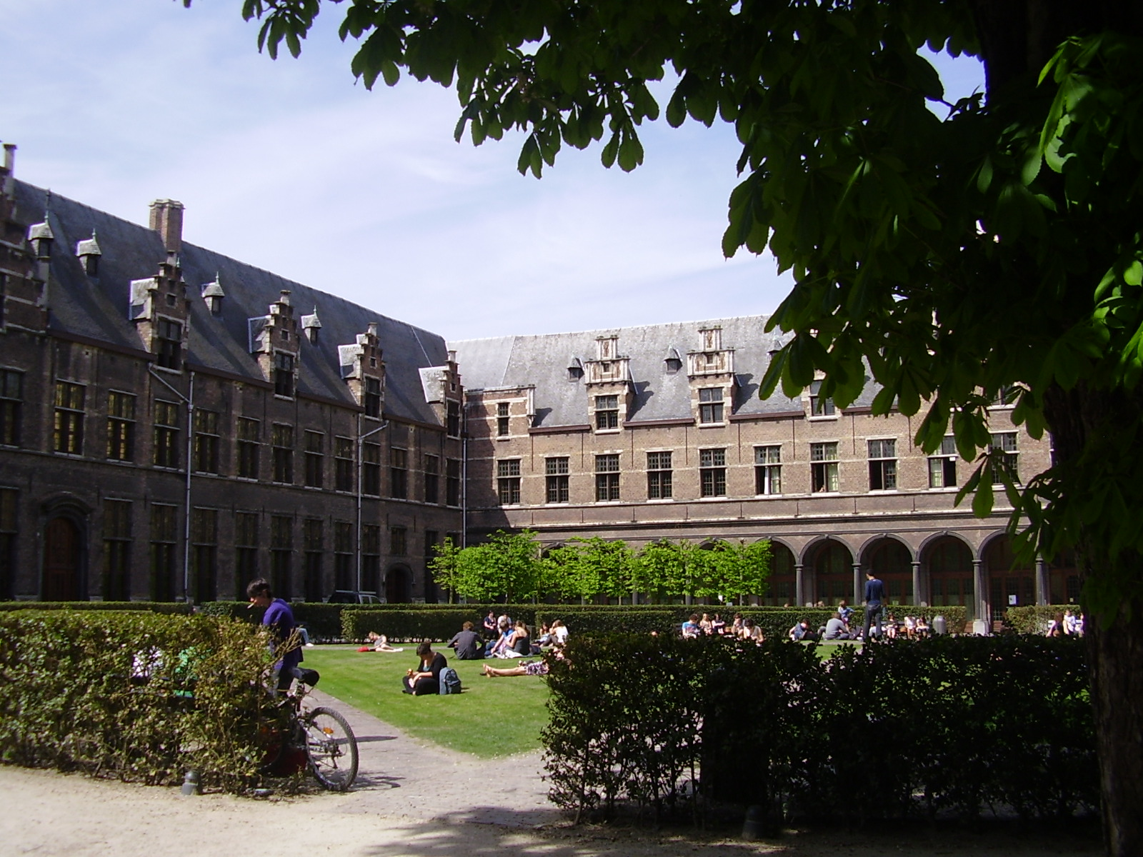 File Universiteit Antwerpen Stadcampus JPG   Wikimedia Commons