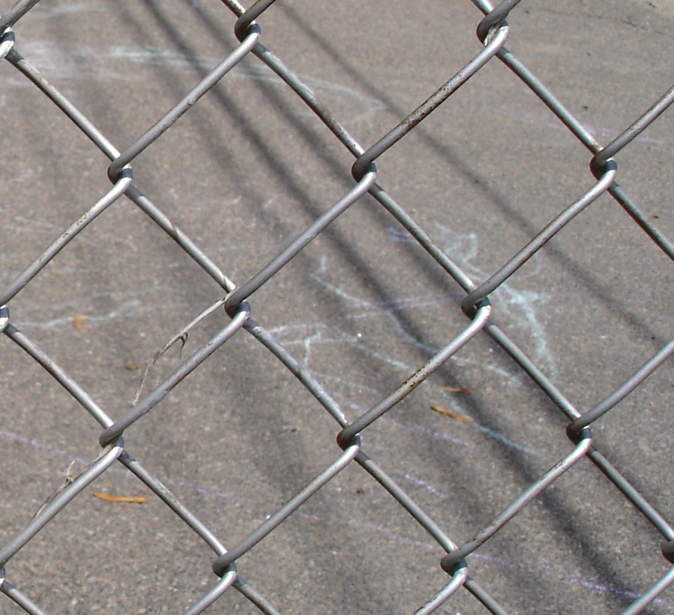 Chain link fencing wikipedia baanklon Images