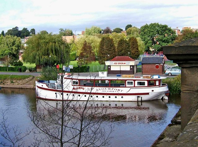 """""""River King"""" moored on River Severn at Stourport-on-Severn - geograph.org.uk - 1479002"""