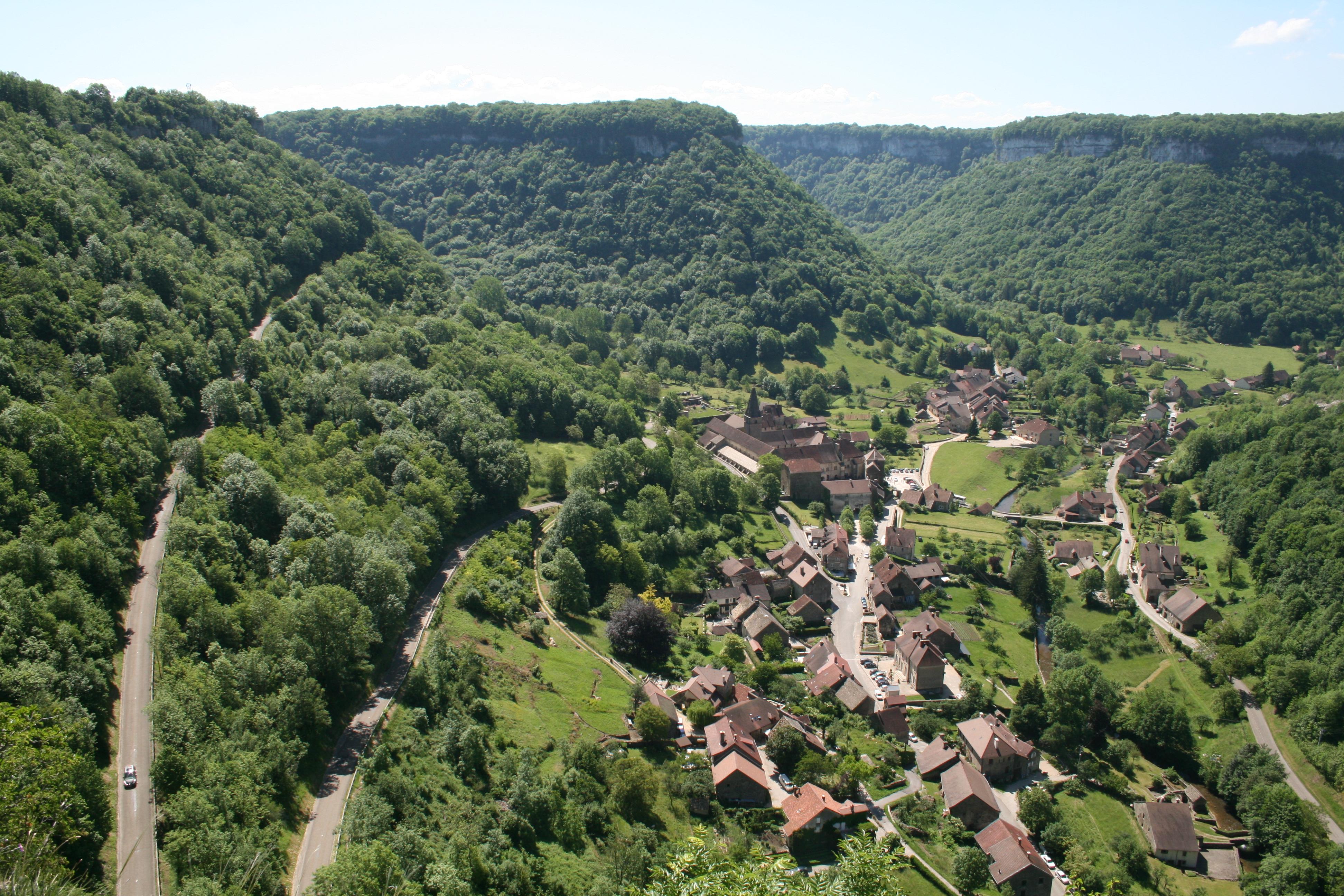 File 0 baume les messieurs village 4 jpg wikimedia commons - Office du tourisme baume les messieurs ...
