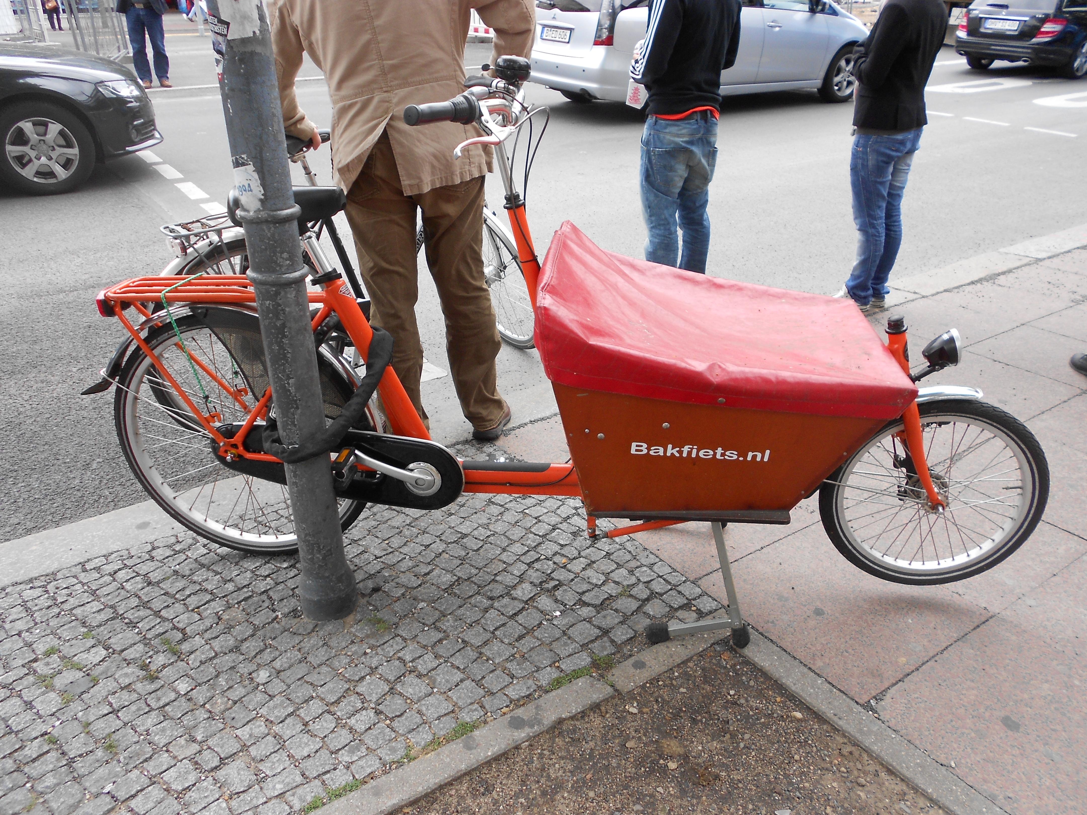12-06-26-Велосипед-или-автомобили в Берлине-09.jpg