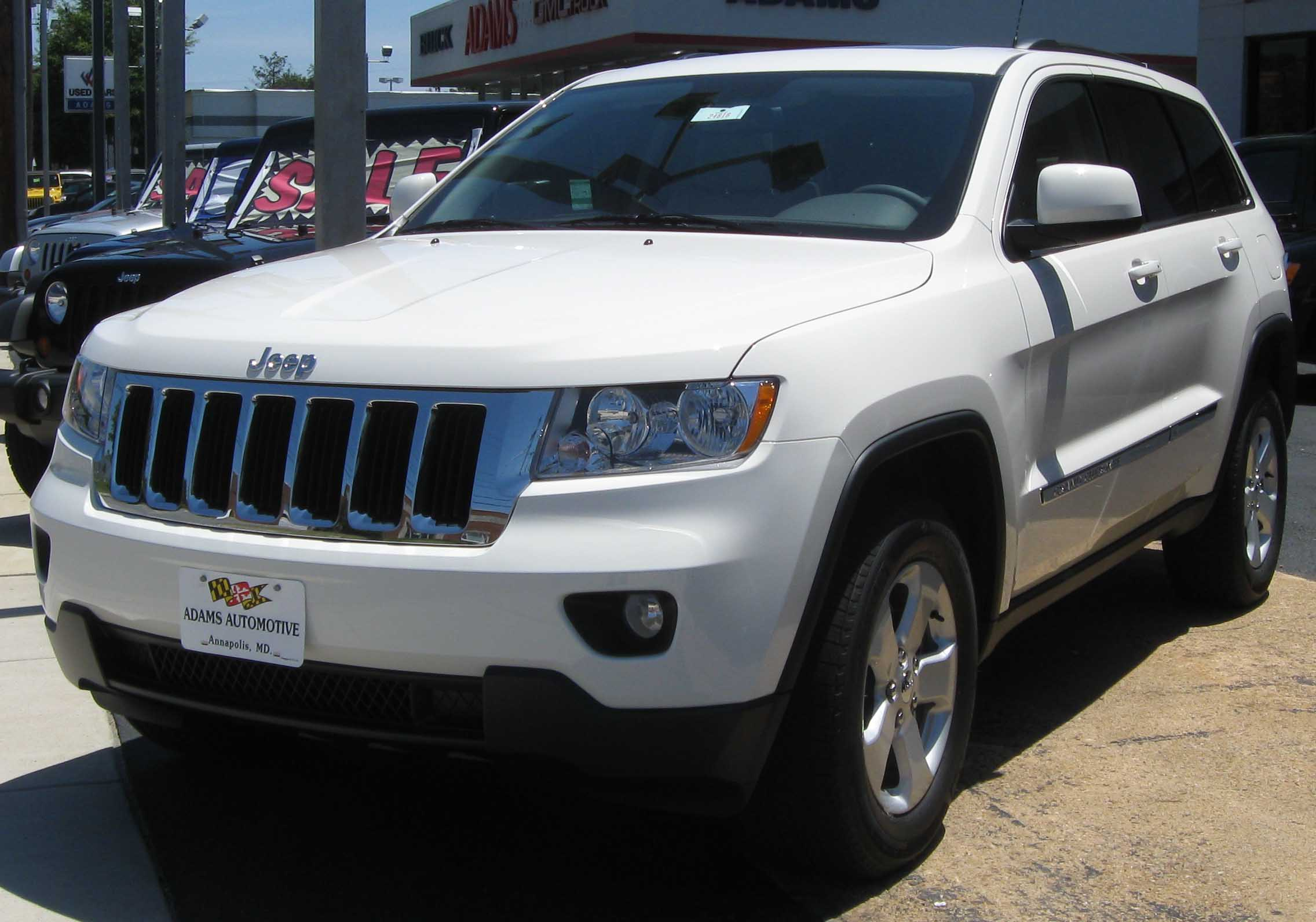 File:2011 Jeep Grand Cherokee Laredo X    07 03 2010.