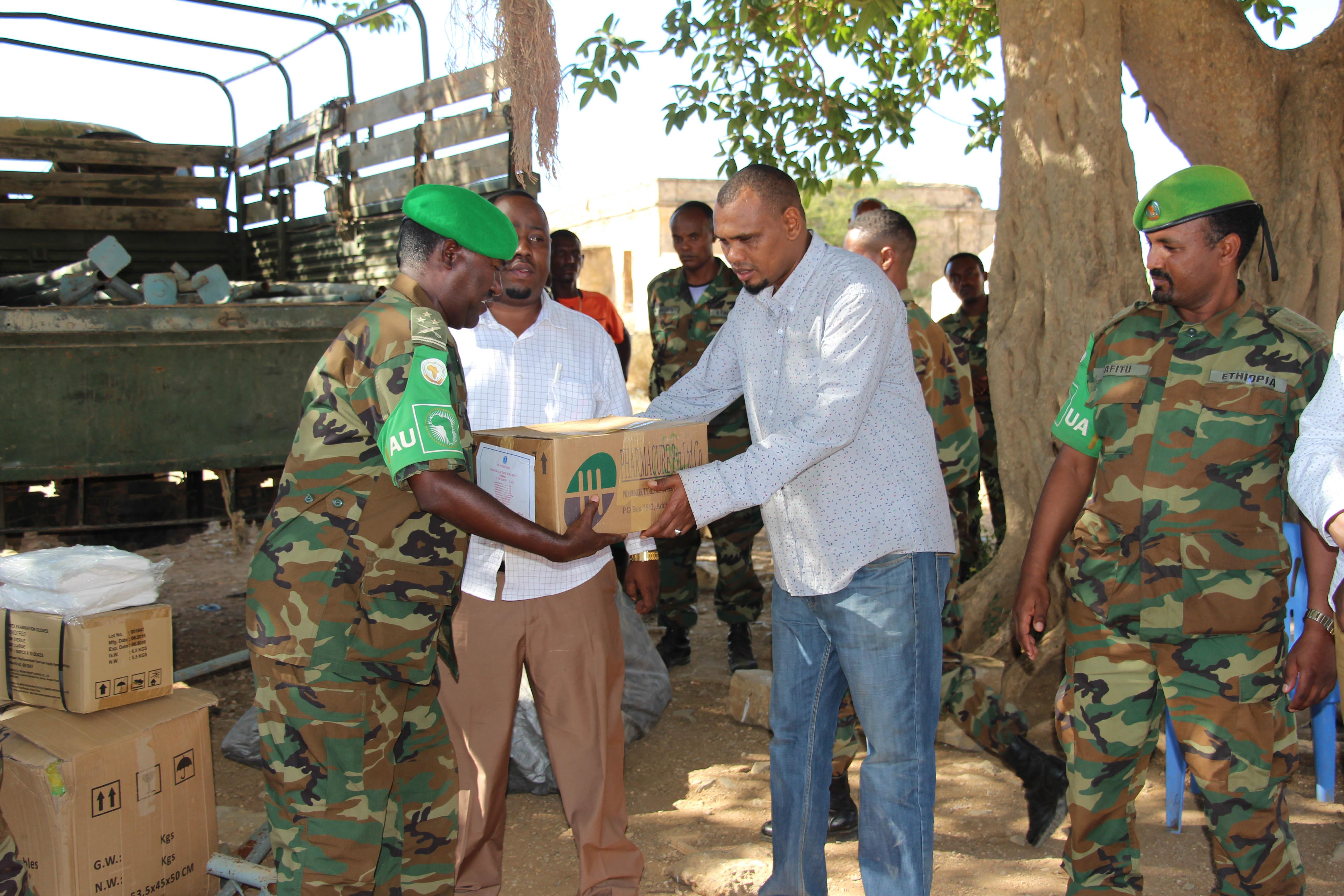 2017 04 ENDF Renovate Wells-6 (31985970181).jpg English: Military officers from the African Union Mission in Somalia (AMISOM) Ethiopian contingent