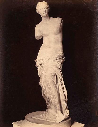 Adolphe Giraudon, Vénus de Milo (musée du Louvre) 01