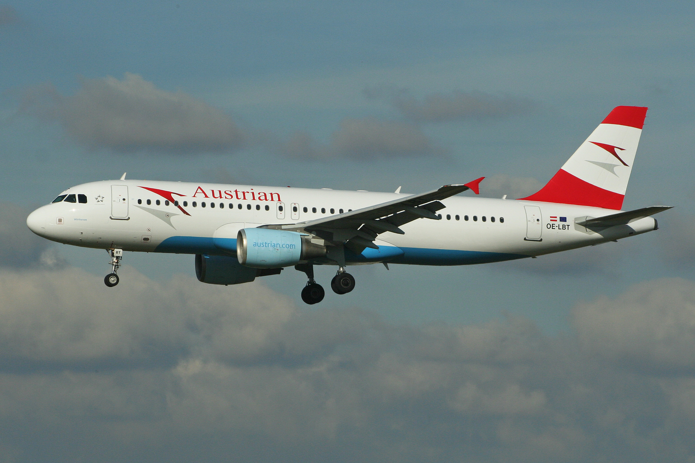 Airbus_A320-214_OE-LBT_Austrian_Airlines