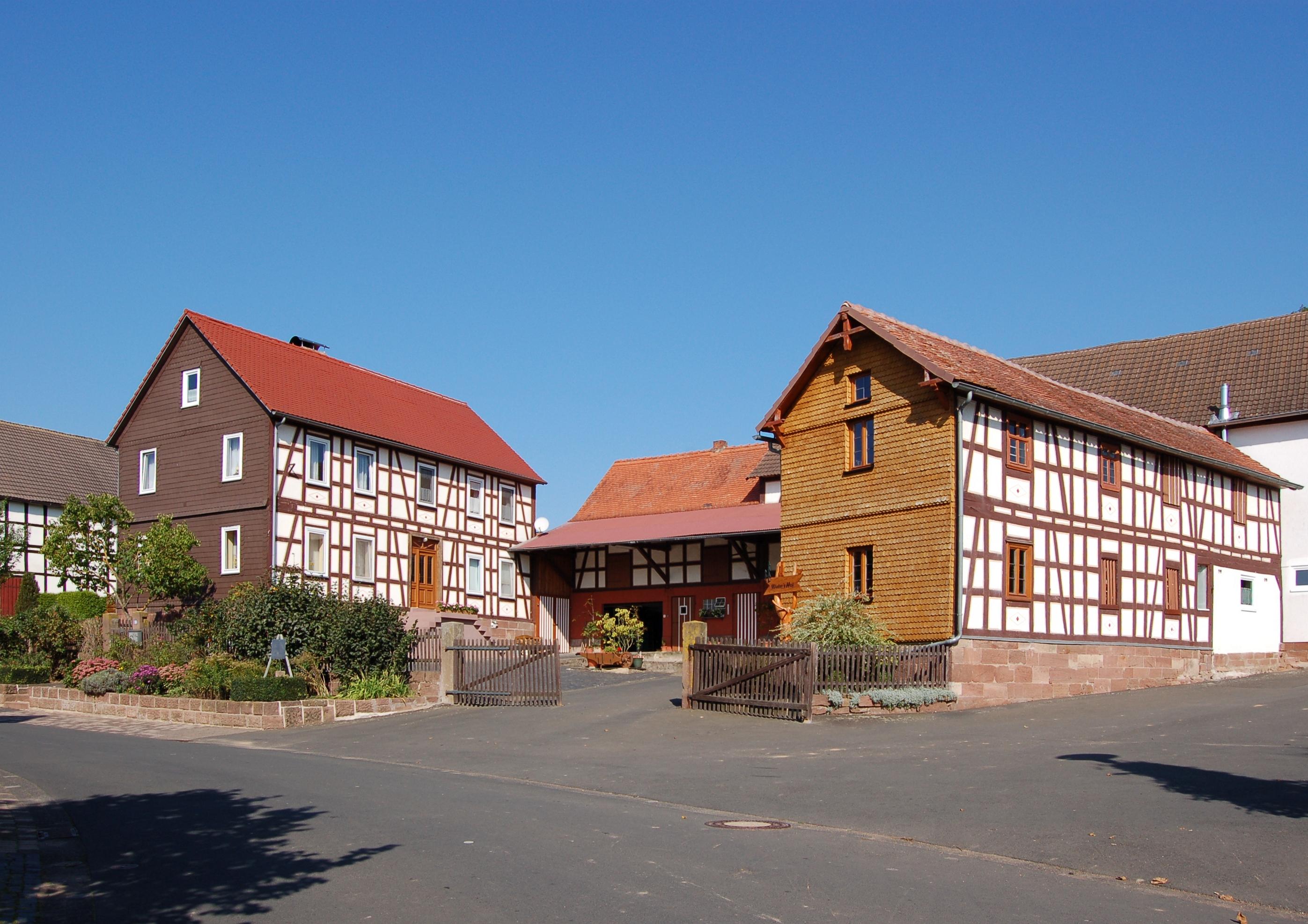 File:An der Linde 19 (Himmelsberg) II.jpg - Wikimedia Commons