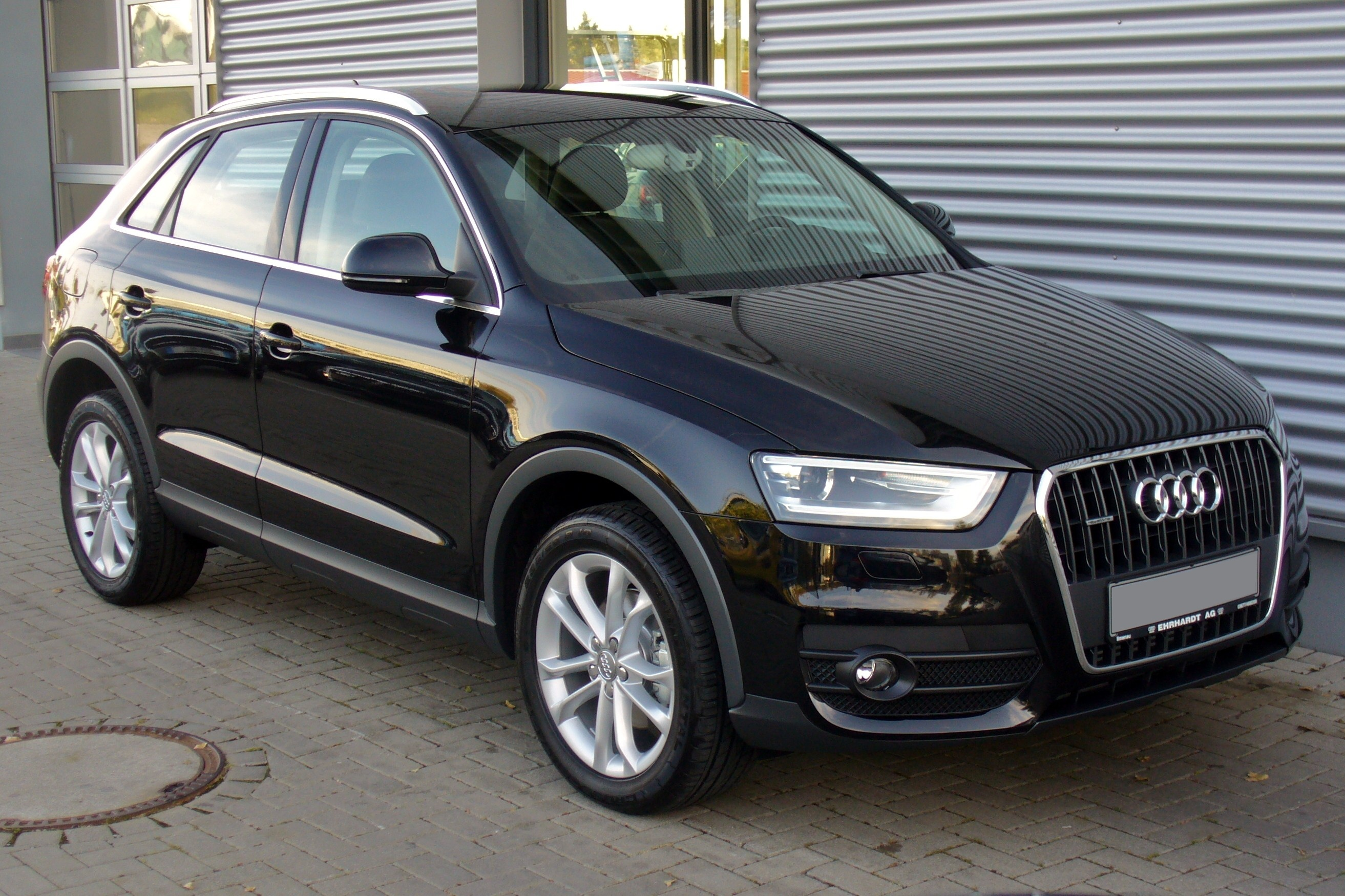 file audi q3 2 0 tdi quattro s tronic phantomschwarz jpg wikimedia commons. Black Bedroom Furniture Sets. Home Design Ideas