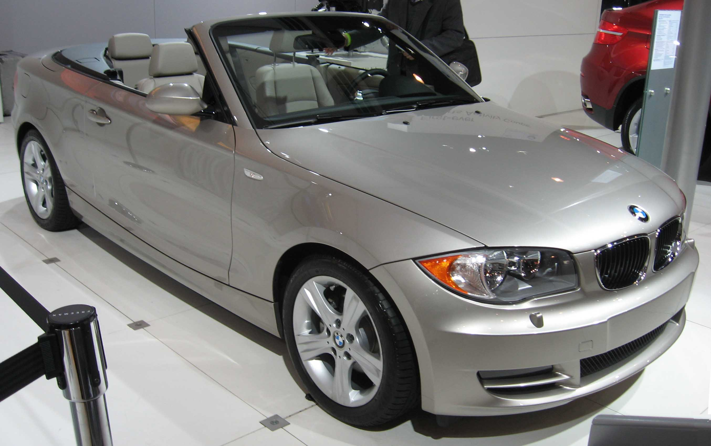 file bmw 1 series convertible wikimedia commons. Black Bedroom Furniture Sets. Home Design Ideas
