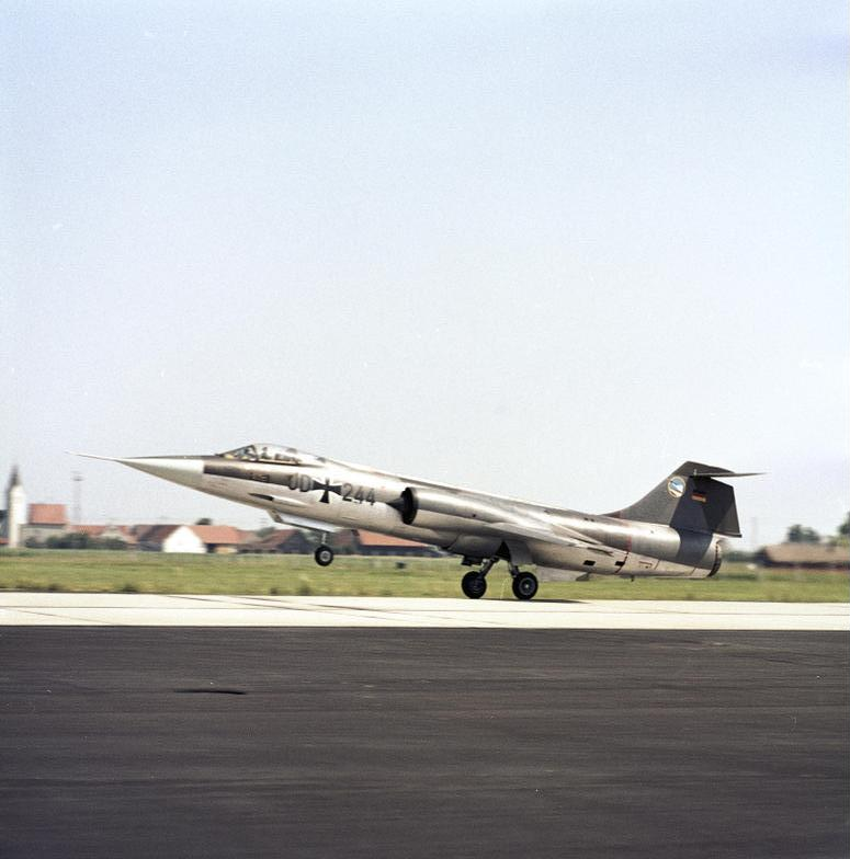 Bundesarchiv B 145 Bild-F027408-0008, Flugzeug F-104 Starfighter, JG 74