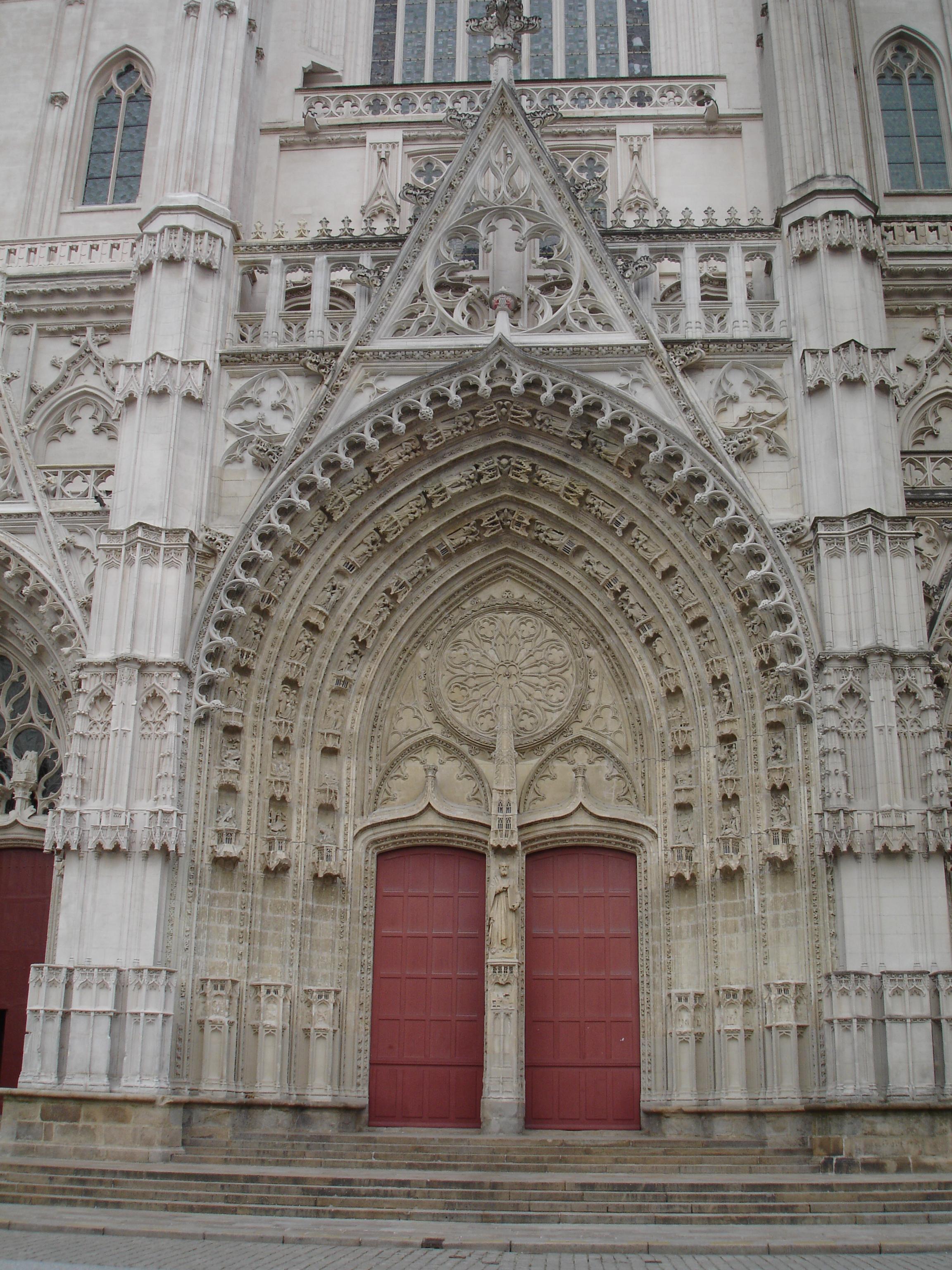 FileCathédrale Saint-Pierre-et-Saint-Paul - Nantes France & File:Cathédrale Saint-Pierre-et-Saint-Paul - Nantes France - door ...