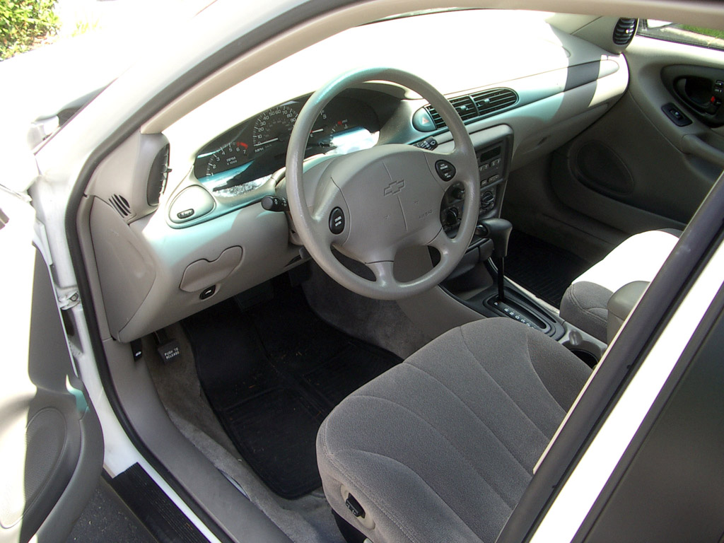All Chevy chevy classic 2005 : File:Chevrolet classic interior.jpg - Wikimedia Commons
