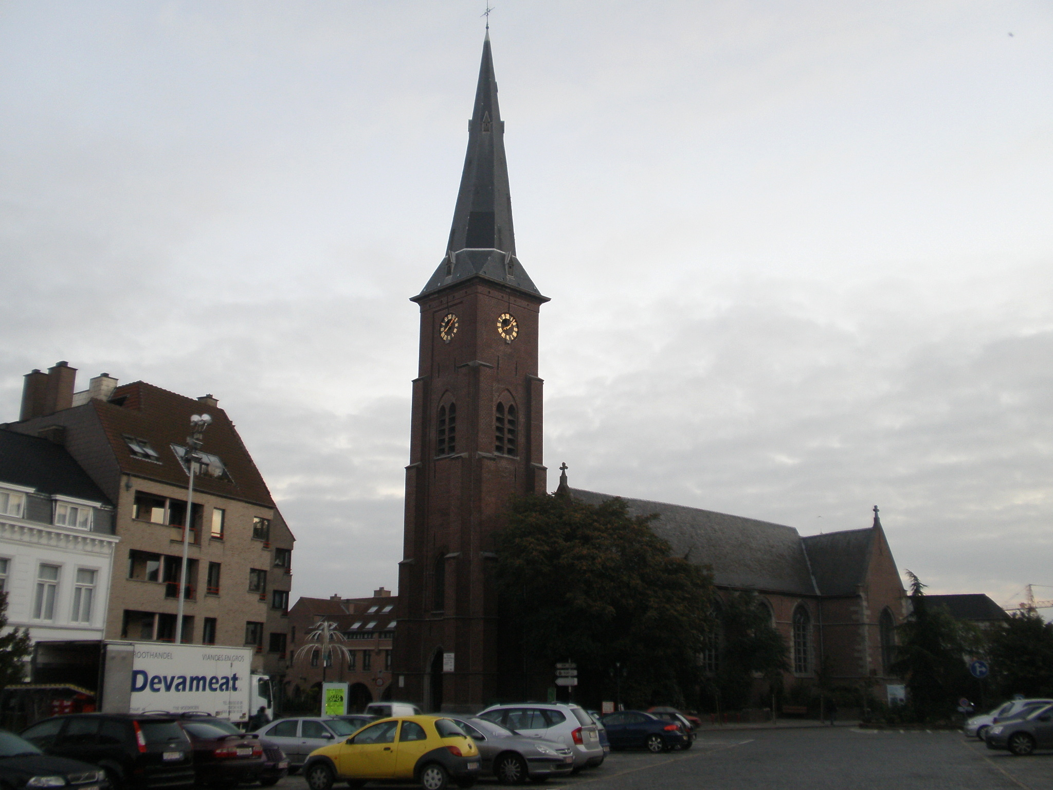 File:Church in the Main Square. Mouscron, Belgium.jpg ...