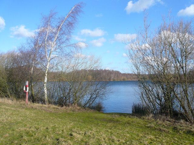 Daneshill Lakes View - geograph.org.uk - 674115
