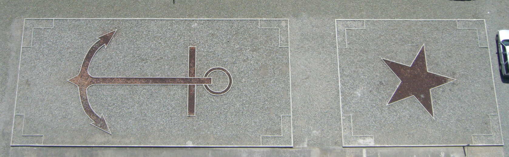 fichier:decoration cours phare eckmuhl — wikipédia