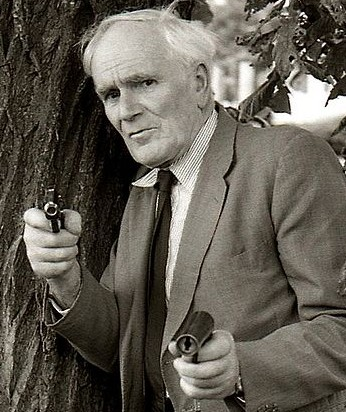 desmond llewelyn james bond