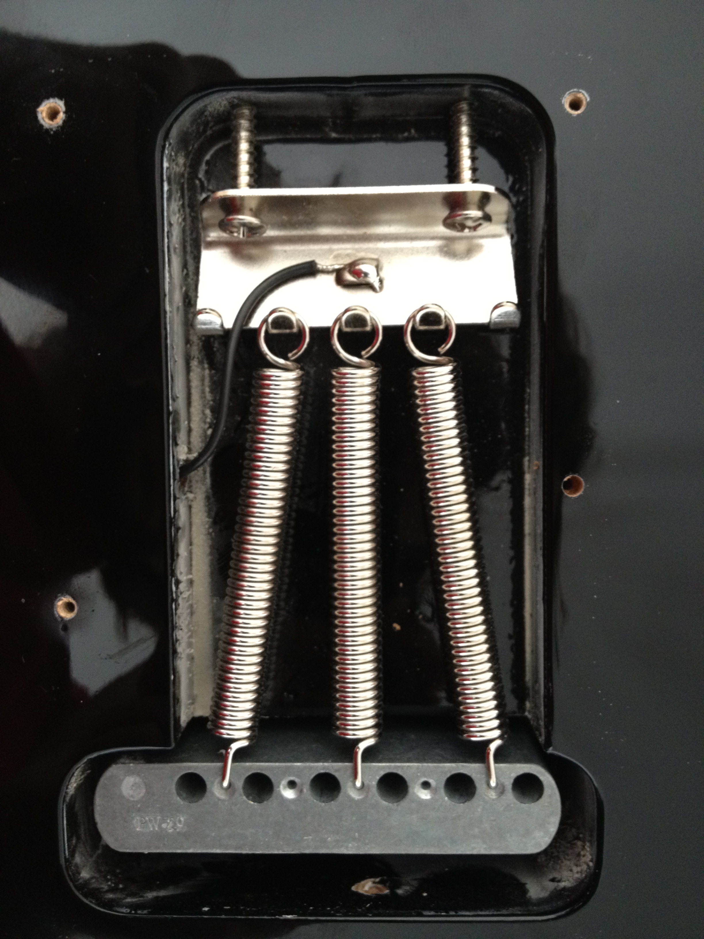 Keeping Strat In Tune After Whammy Action The Gear Page