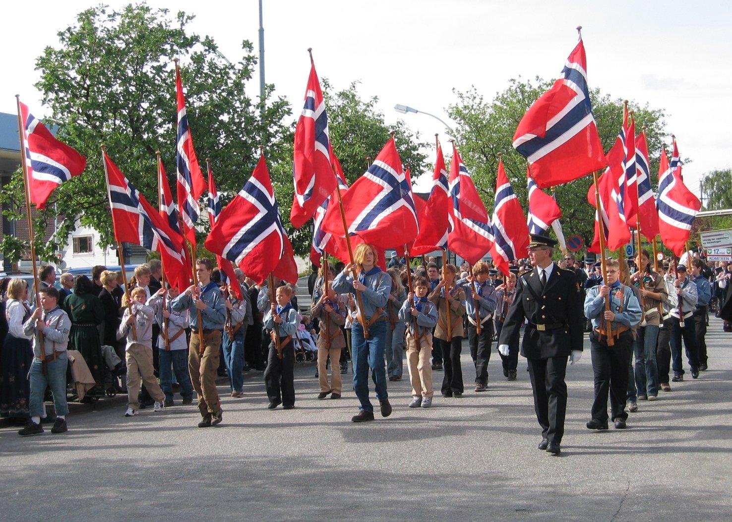 17. mai tale oslo sanger bergen kake -  Norway National Day 2016