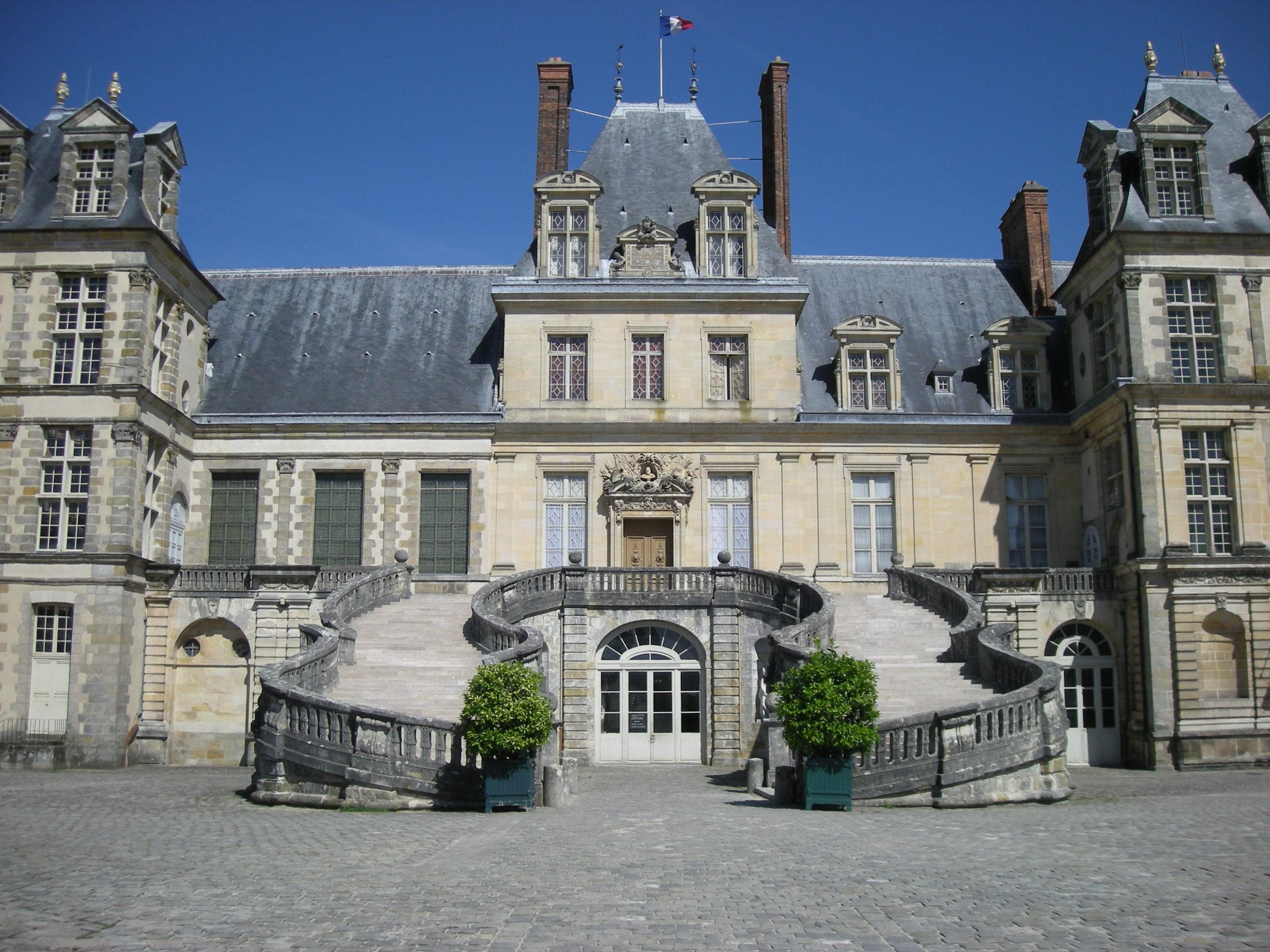 file fontainebleau castle 2735351636 jpg wikimedia commons. Black Bedroom Furniture Sets. Home Design Ideas