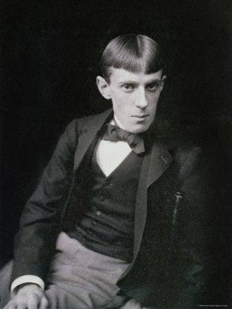 external image Frederick-hollyer-portrait-photograph-of-aubrey-beardsley.jpg