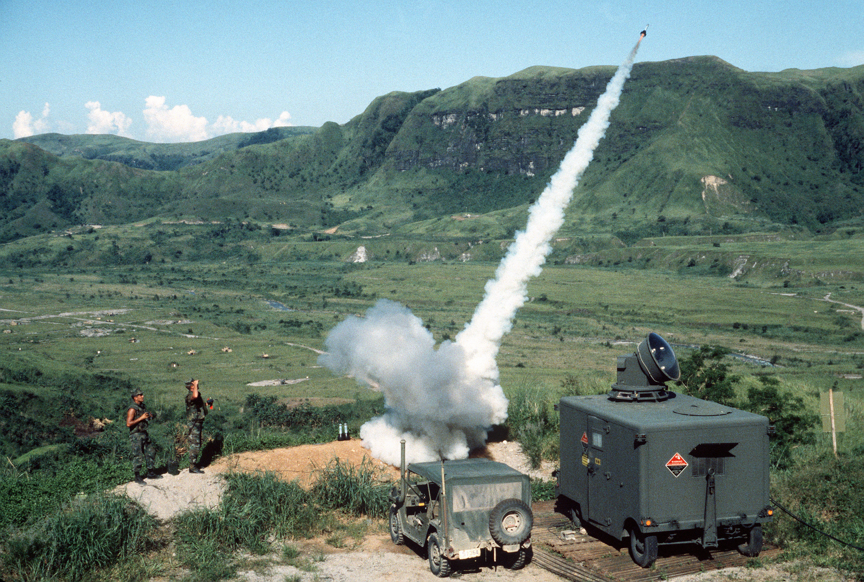 http://upload.wikimedia.org/wikipedia/commons/a/aa/GTR-18_launch_Crow_Valley_Philippines_1984.JPEG