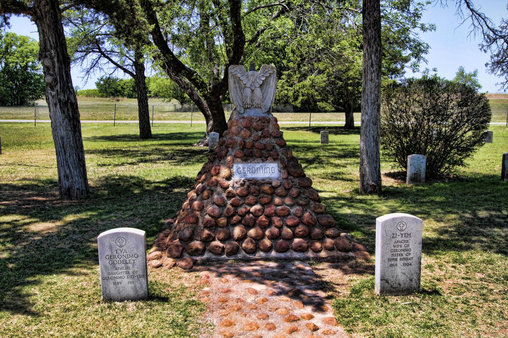 Afbeeldingsresultaat voor geronimo grave