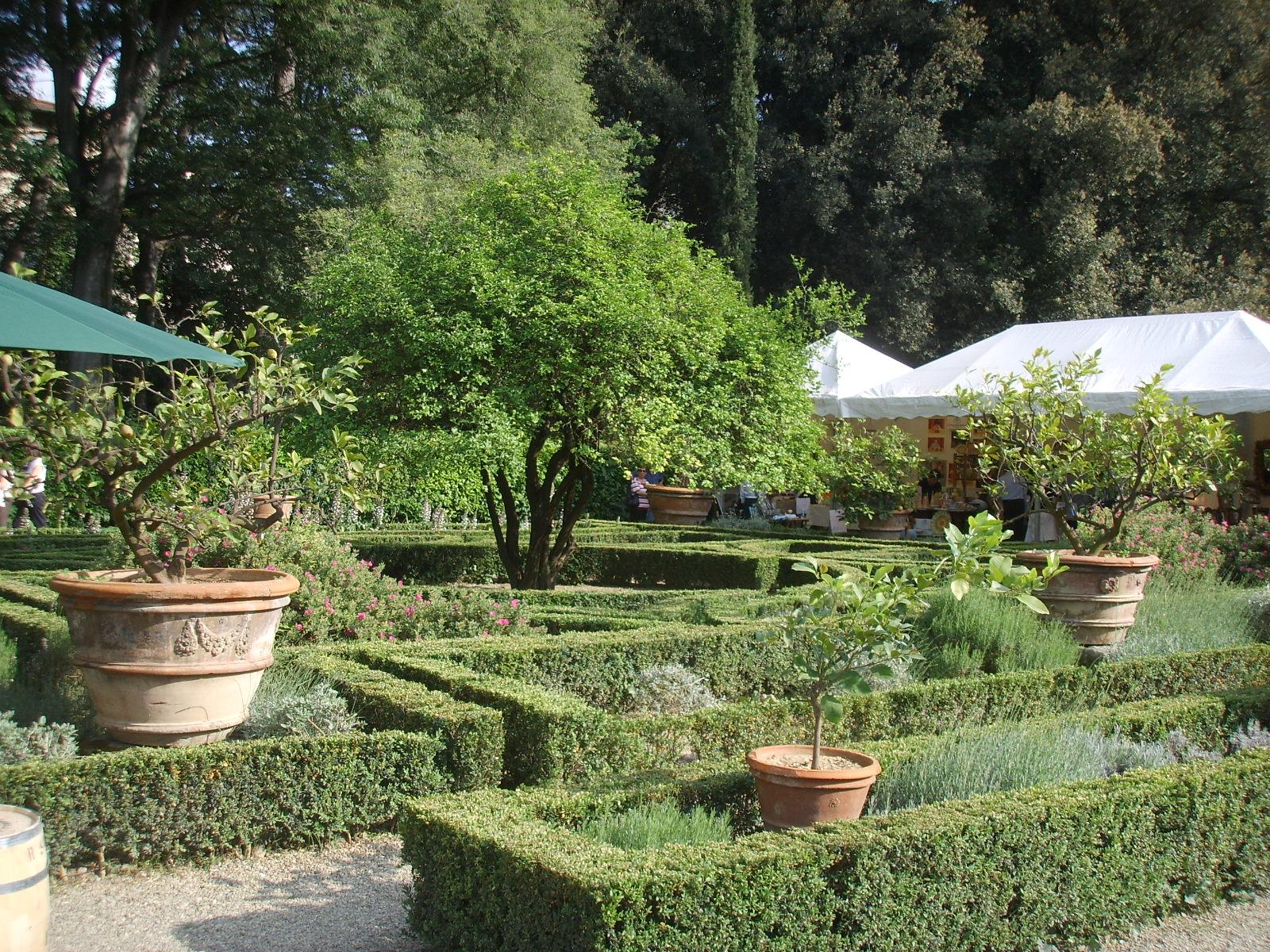 Gallery of corsini aiuole jpg with aiuole giardino immagini for Aiuole giardino idee